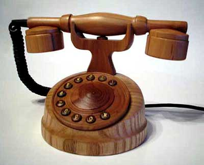 http://allo.kulichki.com/or/2006/wooden_phone.jpg